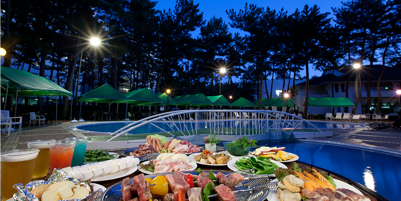 We offer so many fun-filled facilities such as a BBQ at the poolside.