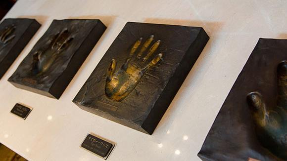 名選手の手形