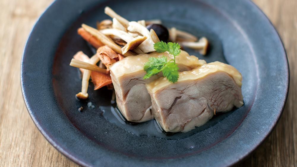 みやざき地頭鶏カレー風味 茸の焼浸し添え