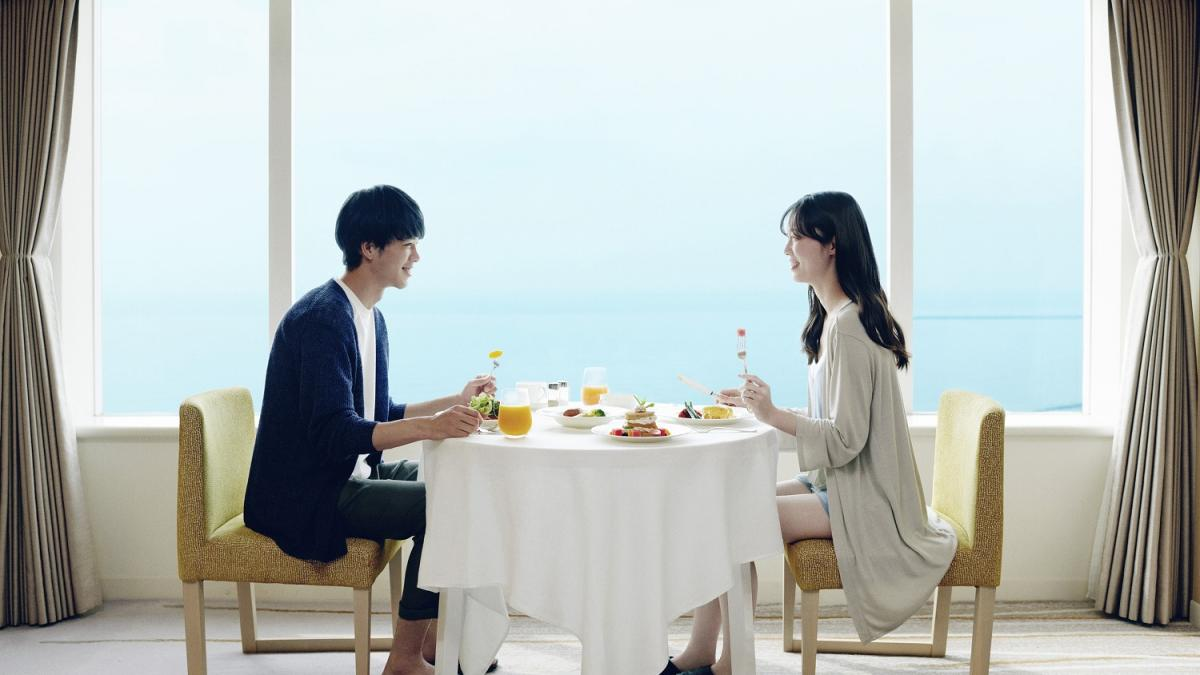 客室からの眺め × 朝食ルームサービス