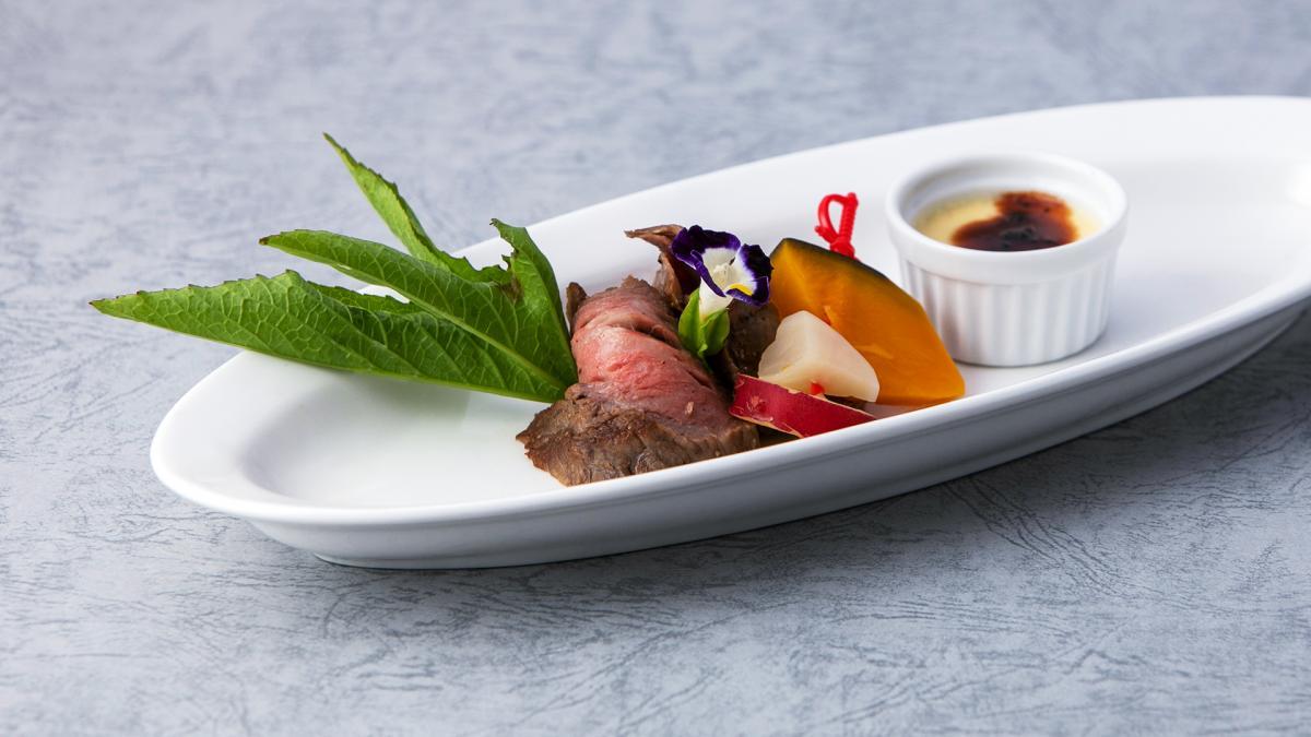 宮崎牛ローストと野菜のピクルス フォアグラのフラン添え