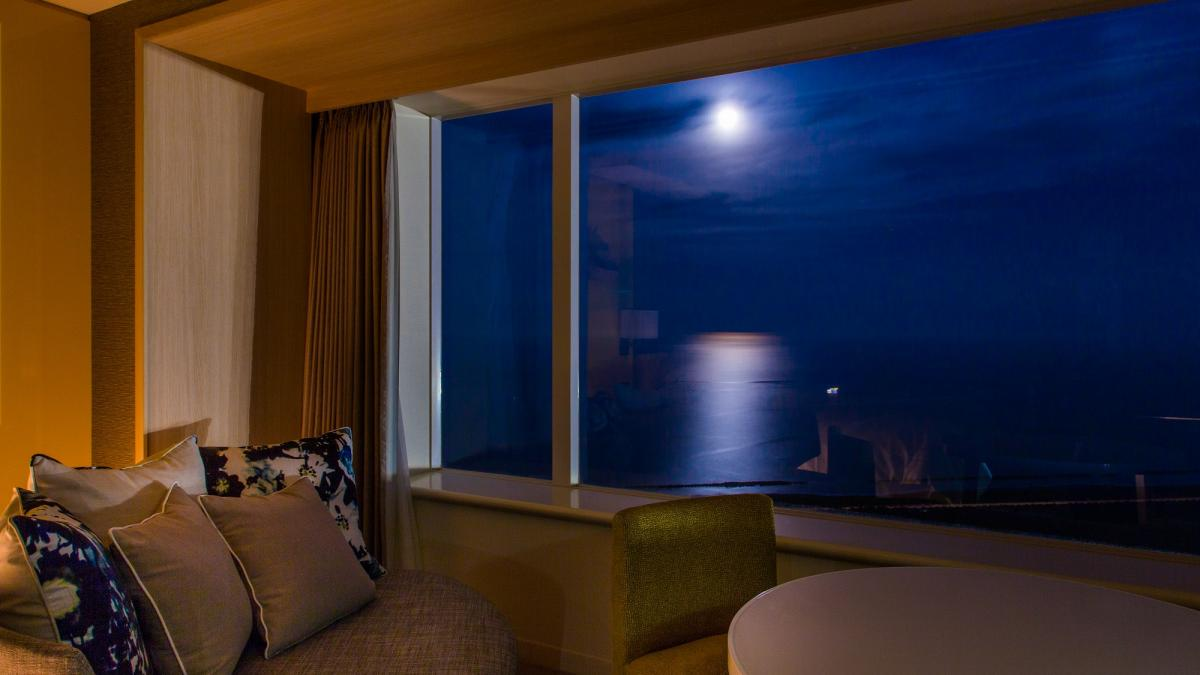Enjoy the day's various sights from your ocean view room