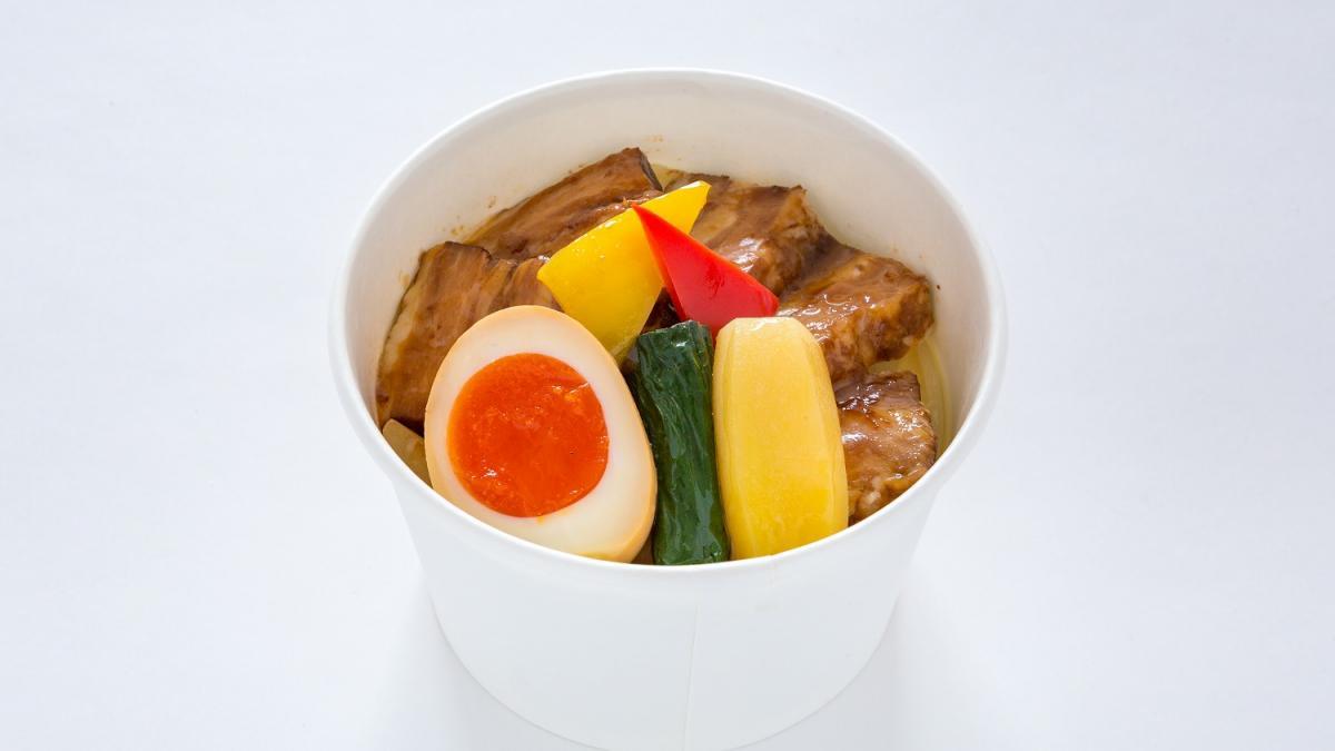 綾ぶどう豚の角煮丼