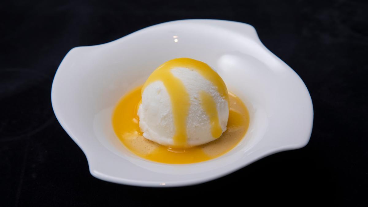 宮崎県産マンゴープリンとマスカルポーネチーズアイス