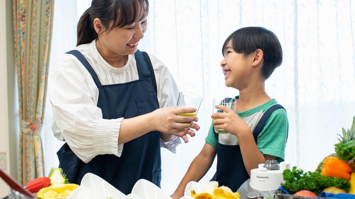 シェフ直伝!宮崎県産の野菜を使ってのスムージー作り