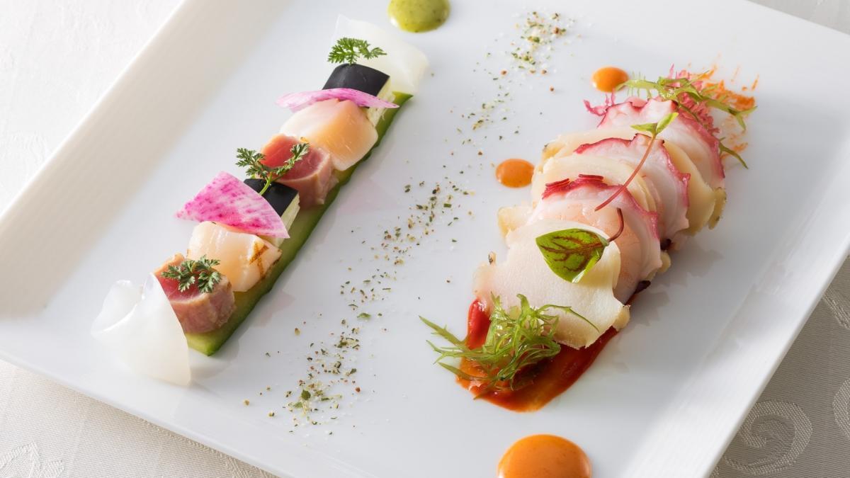魚介類と野菜のハーモニー ハーブとパプリカのドレッシング