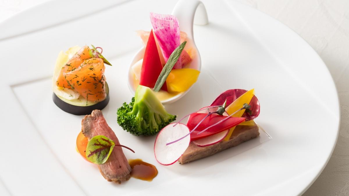 魚介類とお肉の共演 ルガイユと野菜 宮崎マンゴー風味