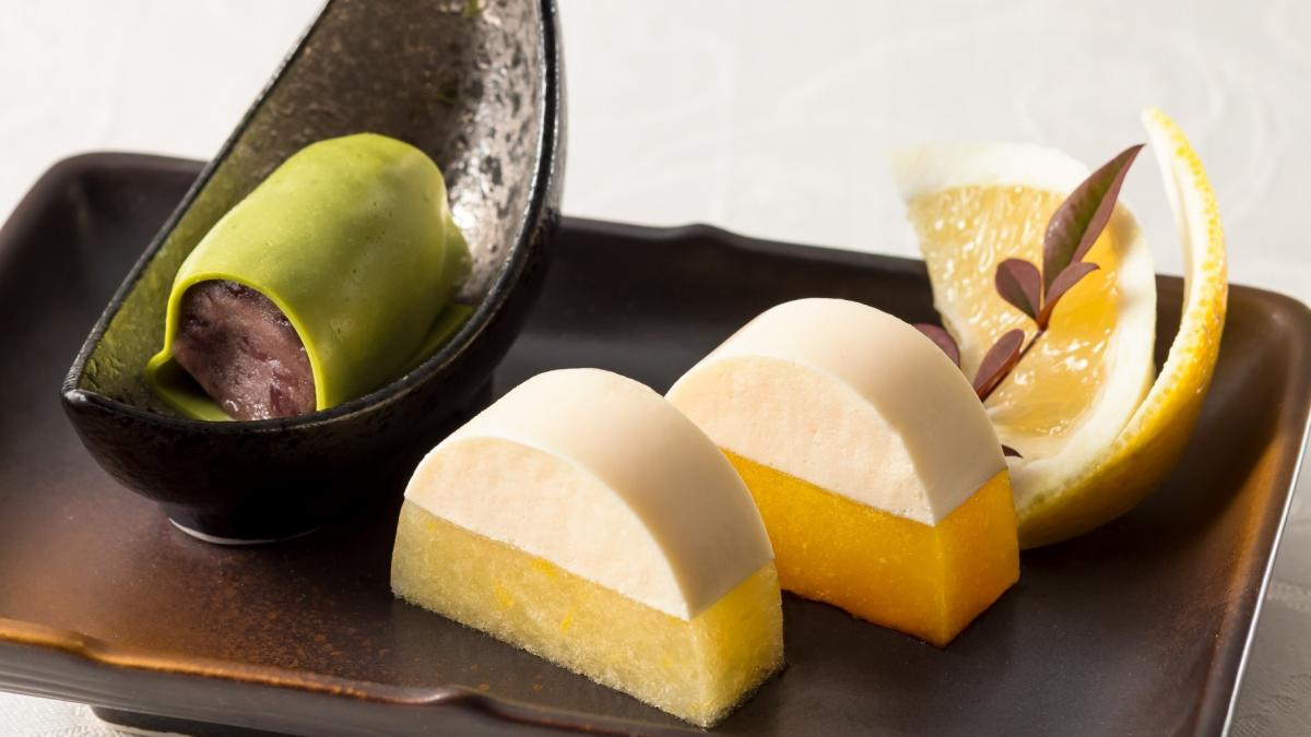 マンゴーと日向夏の淡雪かん お餅と餡子 抹茶のパンナコッタ包み