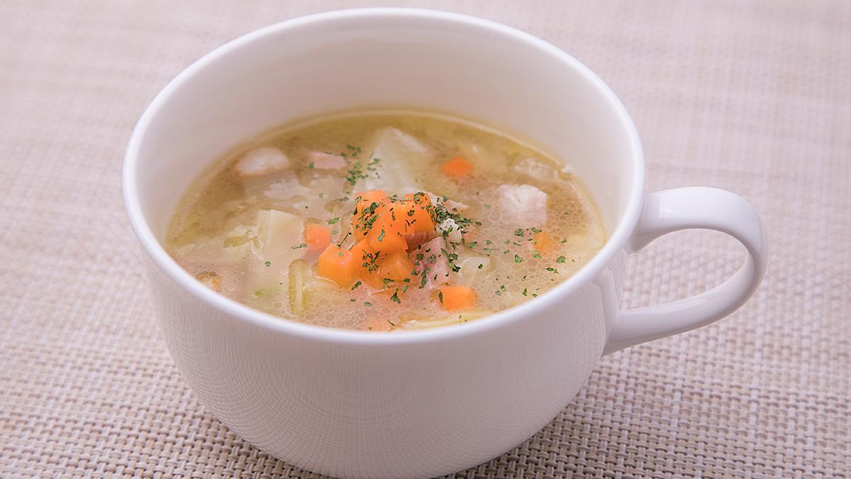 今月の旬なお野菜スープ「キャベツとベーコンのスープ」