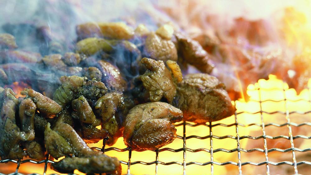 宮崎観光のプロ、シーガイアのスタッフがおすすめする 「鶏の炭火焼き」の美味しい店11選