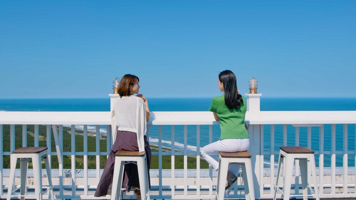 「クラブフロア」ご宿泊者限定 九州で一番高い場所で非日常体験「屋上のテラス席ツアー」