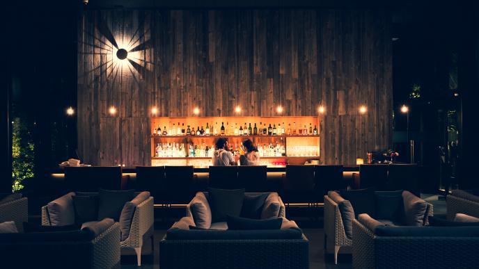 お酒と愉しむリゾートの夜