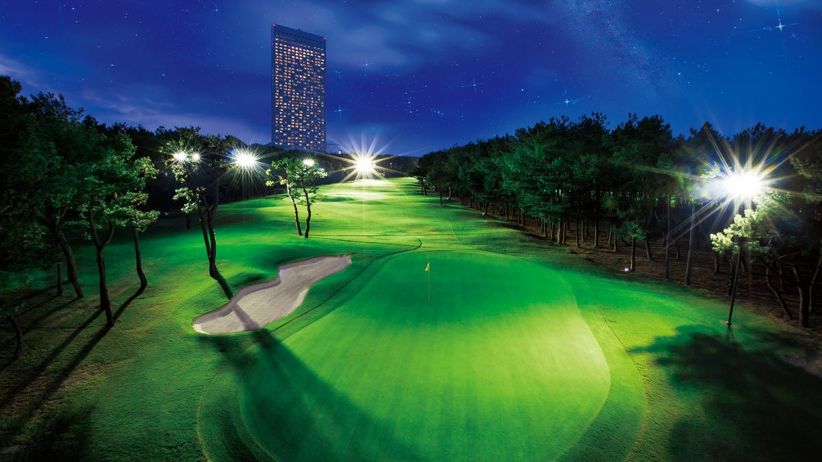 夜こそ楽しむ ナイターゴルフ